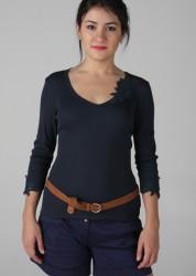 163-161 – Blusa com guipir decote, manga e costas