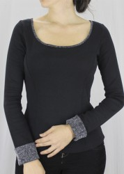 163-219 – Blusa manga longa com detalhes decote e punho